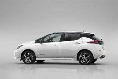 2018-Nissan-Leaf-Electric-019-1024
