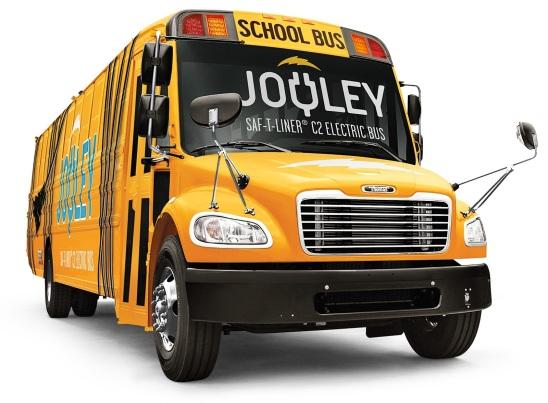 """""""Ikone unter Strom: Daimler stellt seinen ersten vollelektrischen Schulbus in den USA vor"""" """"An icon goes electric: Daimler introduces its first all-electric school bus in the US"""""""