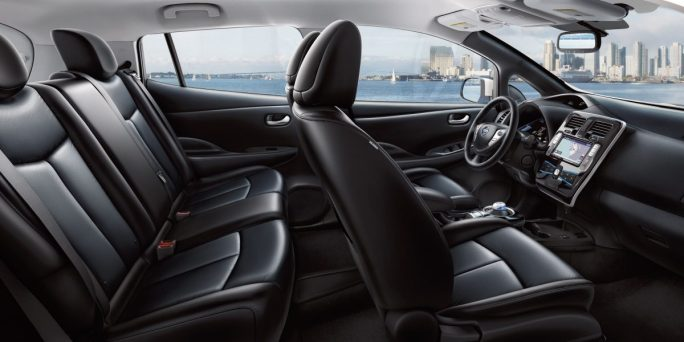 leaf-design-spacious-interior.jpg.ximg.l_12_m.smart
