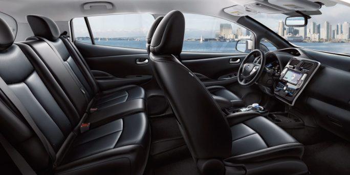 leaf-design-spacious-interior.jpg.ximg.l_12_m.smart
